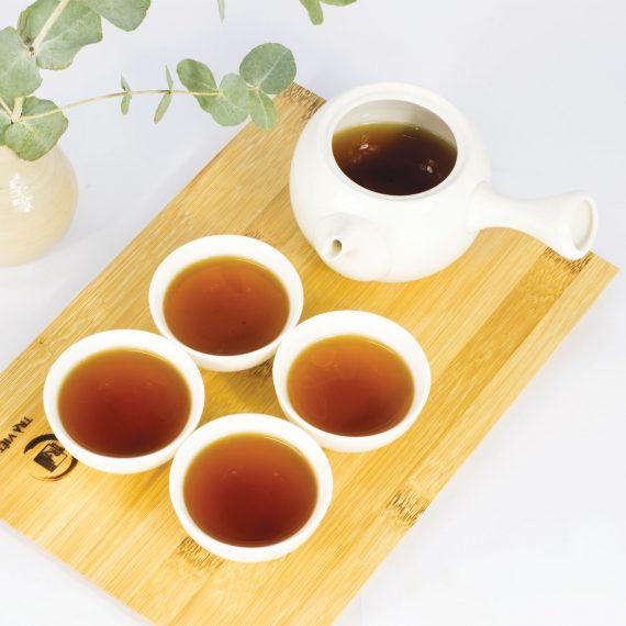 tác dụng của trà xanh - ấm sứ