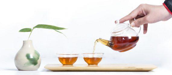 Ám trà thủy tinh